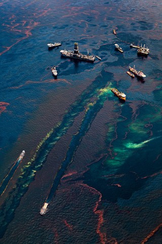 Daniel Beltra book on Deepwater oil spill pollution