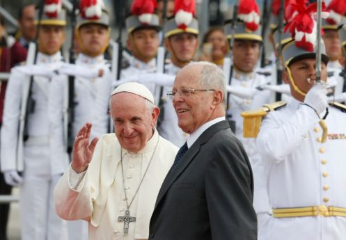 20180118T1741-1067-CNS-POPE-PERU-ARRIVE