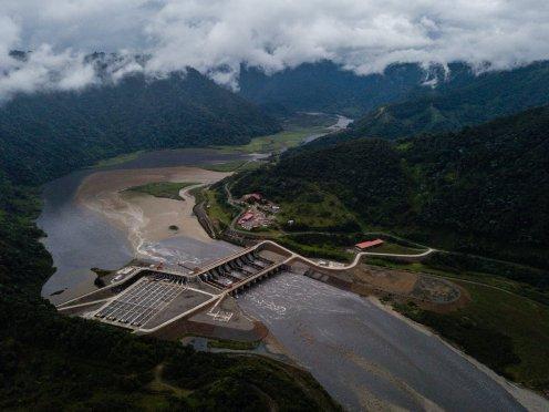 Ecuador-Dam-slide-GJ2W-superJumbo.jpg
