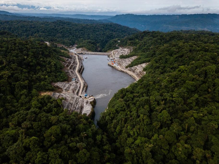 Ecuador-Dam-slide-T3LI-superJumbo-1.jpg